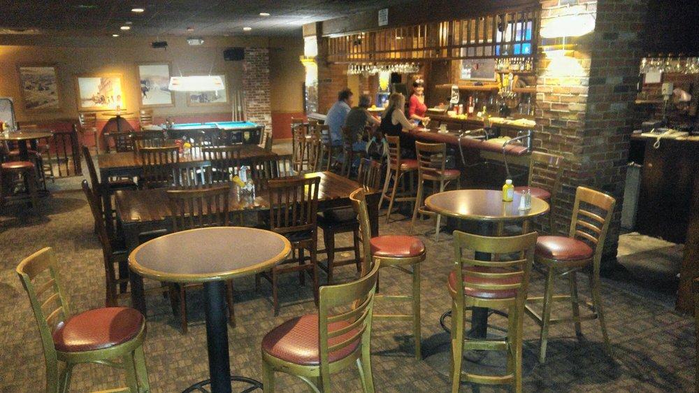 Red Lion Inn Pub: 1555 Pocatello Creek Rd, Pocatello, ID
