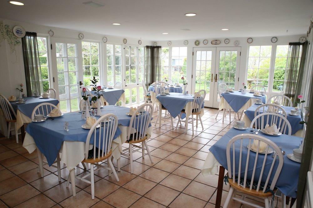 Captain's House Inn: 369 Old Harbor Rd, Chatham, MA
