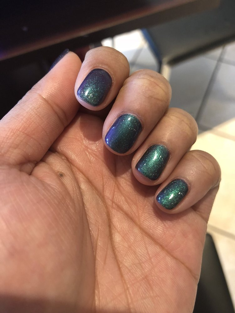 My dope ass no chip mermaid nails! I believe Vinny called them 3-d ...