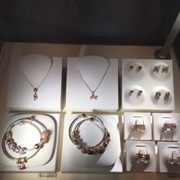 Photo of PANDORA Store - Baltimore, MD, United States. Rose gold selection