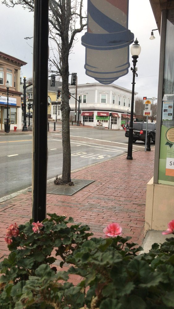 Heights Barber Shop: 1317 Massachusetts Ave, Arlington, MA