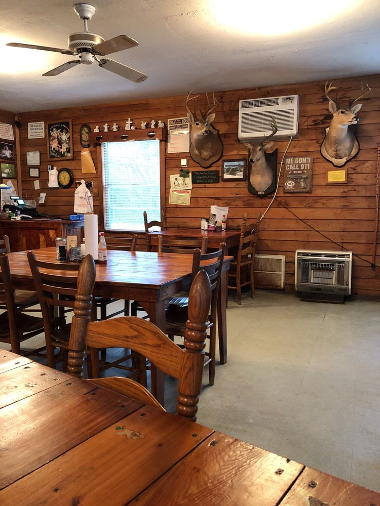 Swannee River Cafe: Hwy 441, Fargo, GA