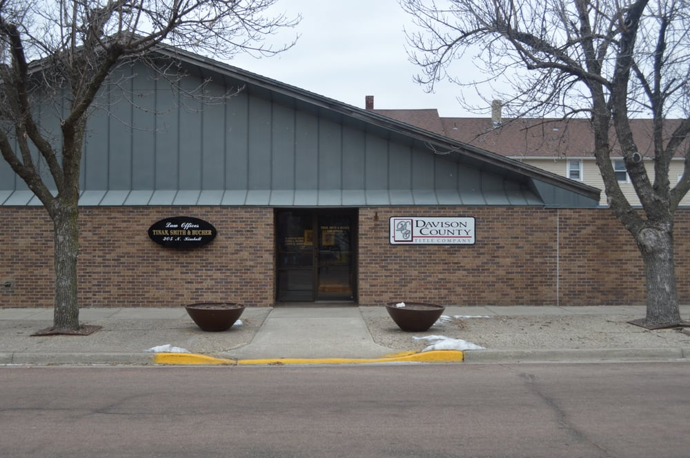 Davison County Title Company: 305 N Kimball St, Mitchell, SD