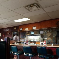 Photo Of Left Fork Grill Murray Ut United States Fun Outdated Bar