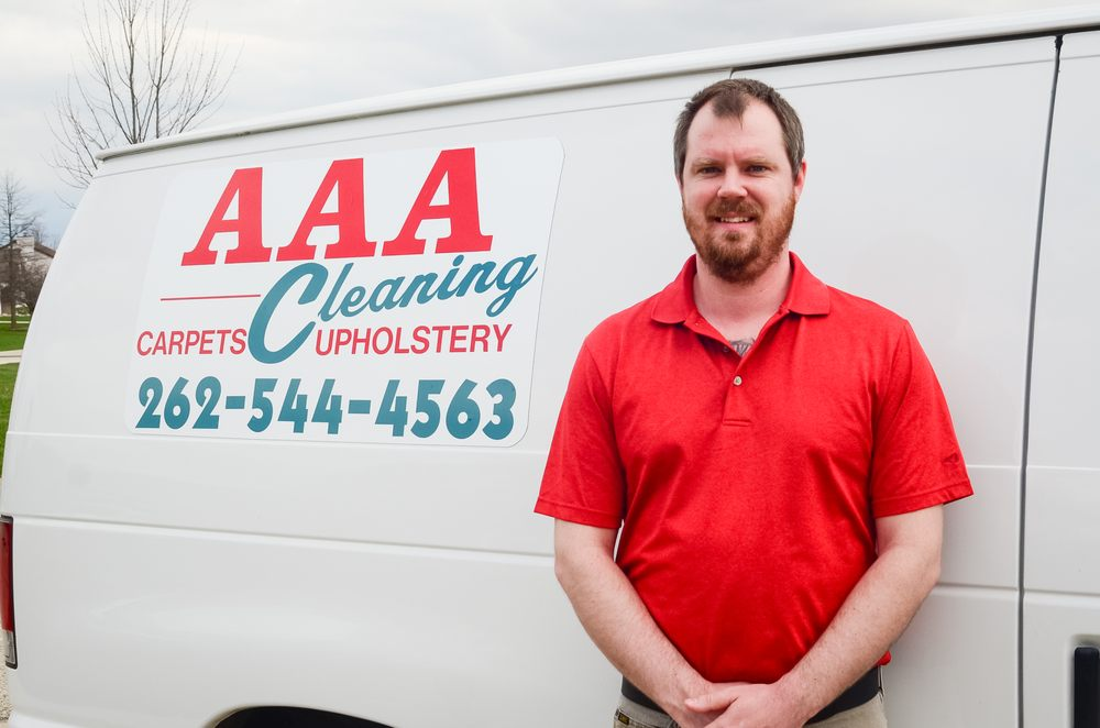 AAA Cleaning: 302 Woodfield Ct, Eagle, WI