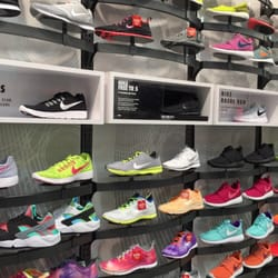 best sneakers 76c32 5ce84 Photo of Lady Foot Locker - Aiea, HI, United States