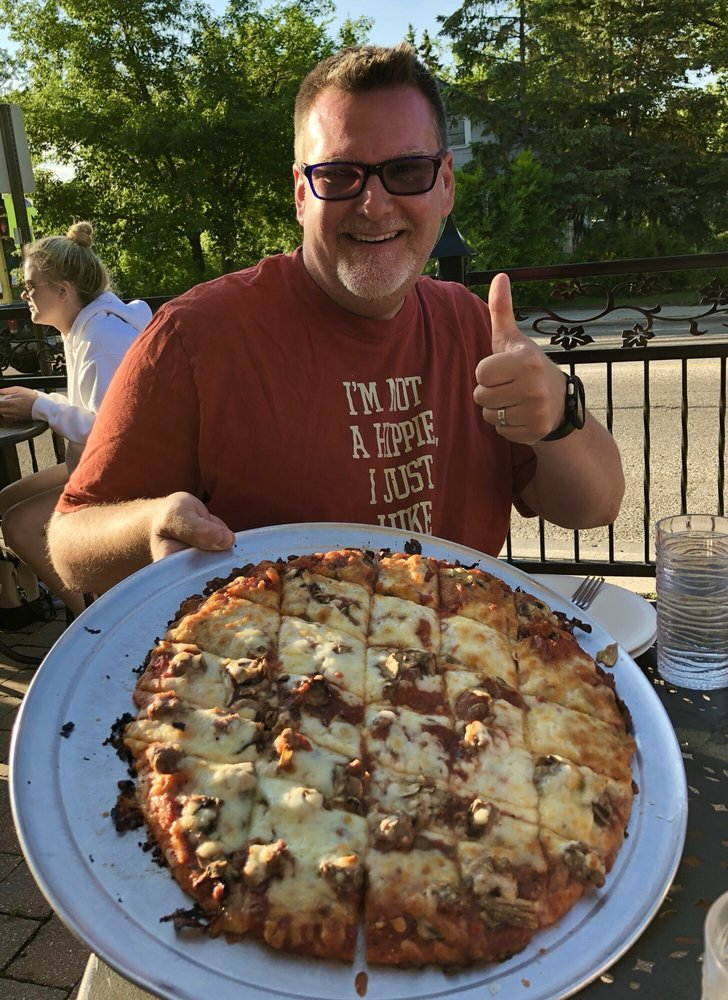 Dave's Pizza: 422 15th St NW, Bemidji, MN