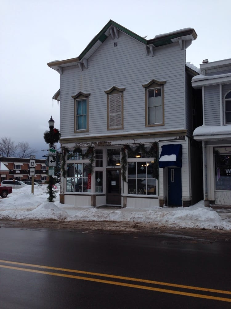 Howl Clothing & Adventure: 113-117 Rittenhouse Ave, Bayfield, WI
