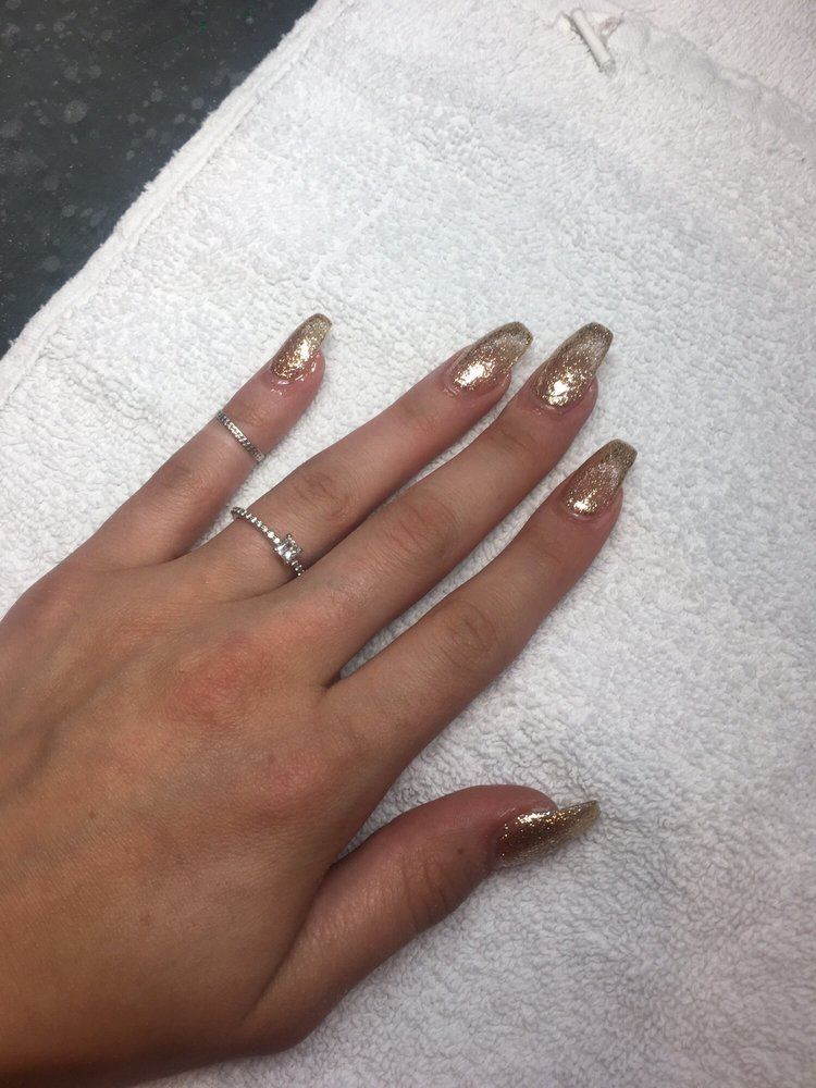 Cute Nails and Spa: 704 Jefferson St, Mendota, IL