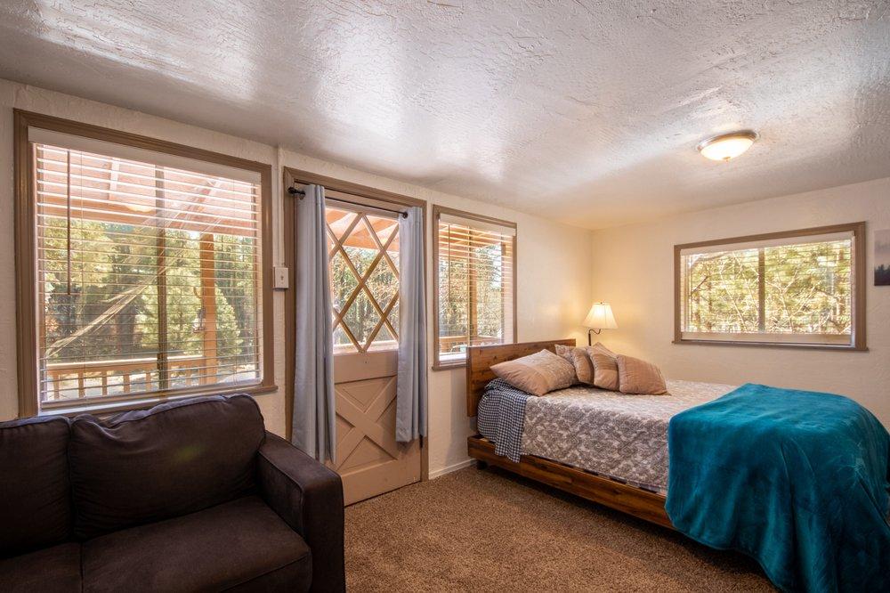 Creekside Cabins Rentals: 1520 E Christopher Creek Lp, Payson, AZ