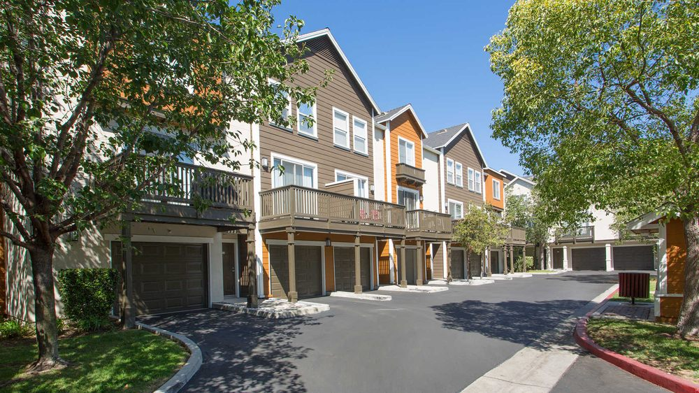 Artisan Square Apartments Northridge