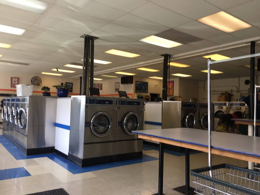 Lucy's Laundry: 124 S Main St, Fort Bragg, CA