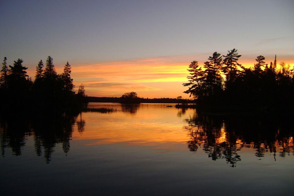 Timber Bay Lodge & Houseboats: 8347 Timber Bay Rd, Babbitt, MN