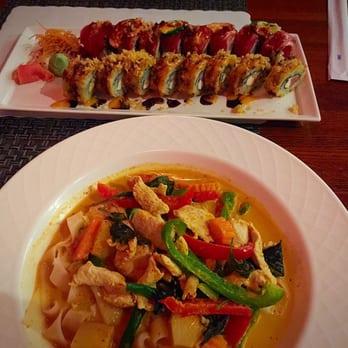 Aroy jung asian fusion sushi bar closed 65 photos for Asian fusion cuisine and sushi bar