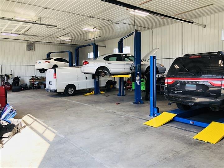 Twin City Garage: 604 Orlando Ave, Normal, IL