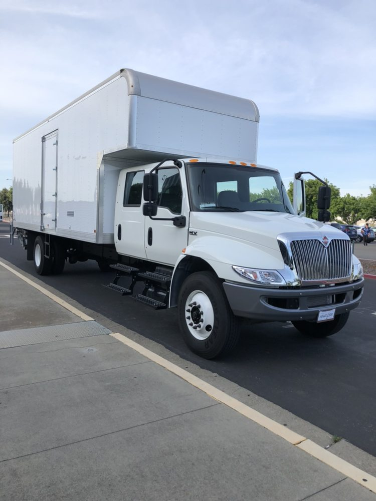 M & M Movers: 165 N Maple Ave, Manteca, CA