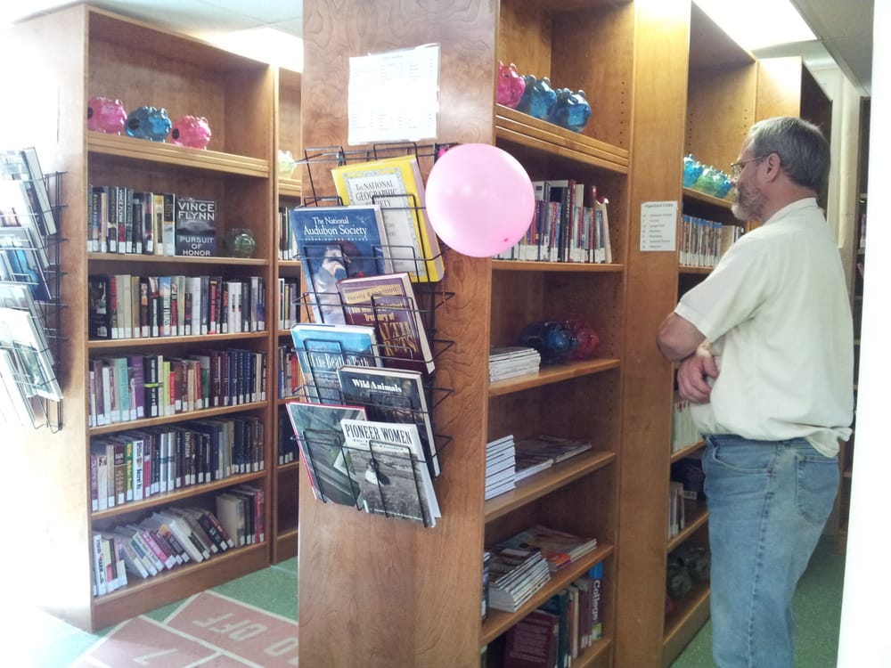 North Marion Community Library: 21553 Liberty St NE, Aurora, OR
