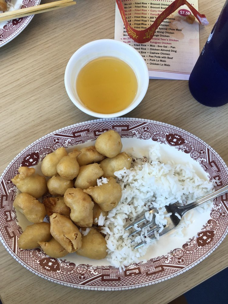 Fong's Cafe: 215 E Yellowstone Hwy, Saint Anthony, ID