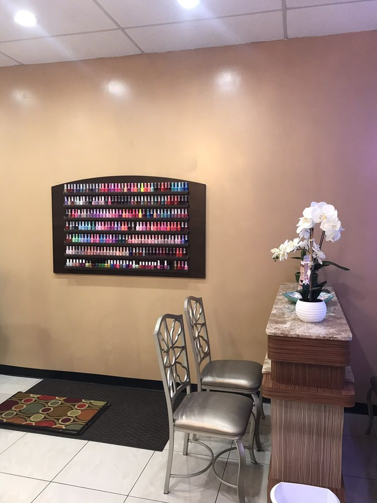 Summer Nails: 10058 Gravois Rd, Saint Louis, MO