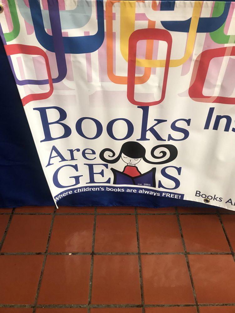 Books Are GEMS: 7744 North Lp, El Paso, TX