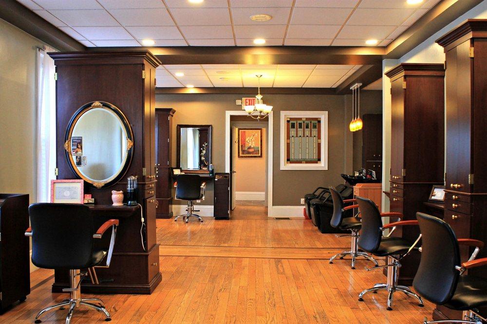 In Vogue Salon & Spa: 62 W Bridge St, Oswego, NY