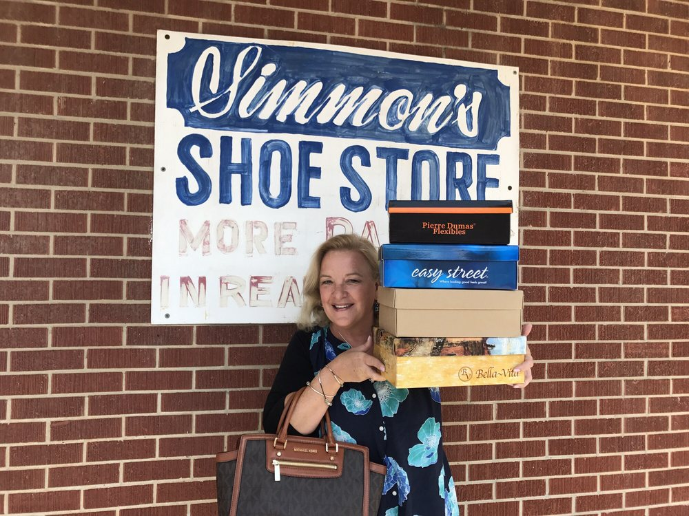 Simmons Shoe Store: 204 S 14th Ave, Humboldt, TN
