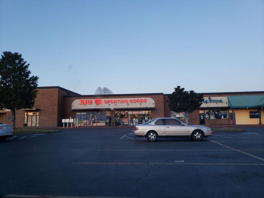 Big 5 Sporting Goods: 2245 Lancaster Dr NE, Salem, OR