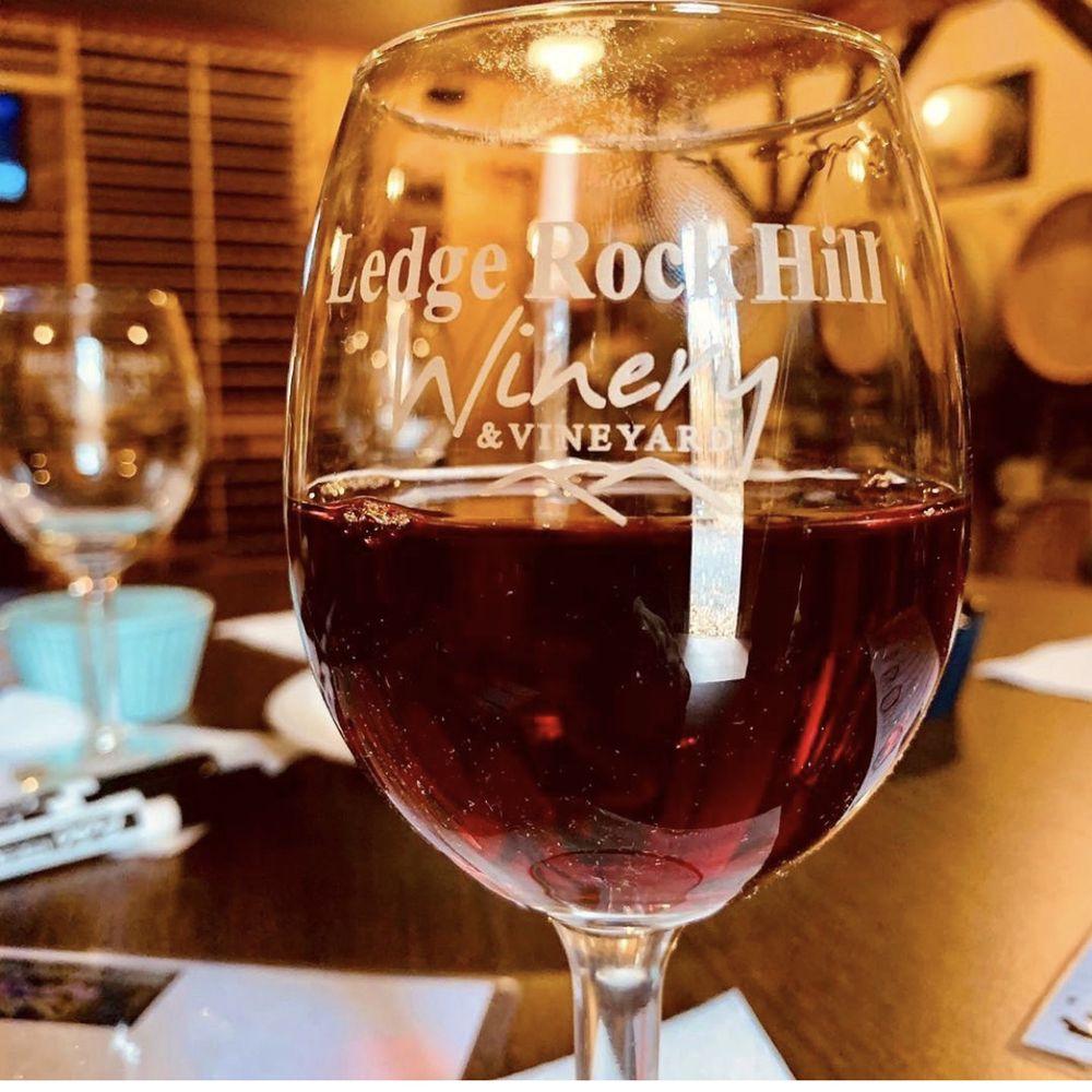Ledge Rock Hill Winery & Vineyard: 41 Stewart Dam Rd, Corinth, NY