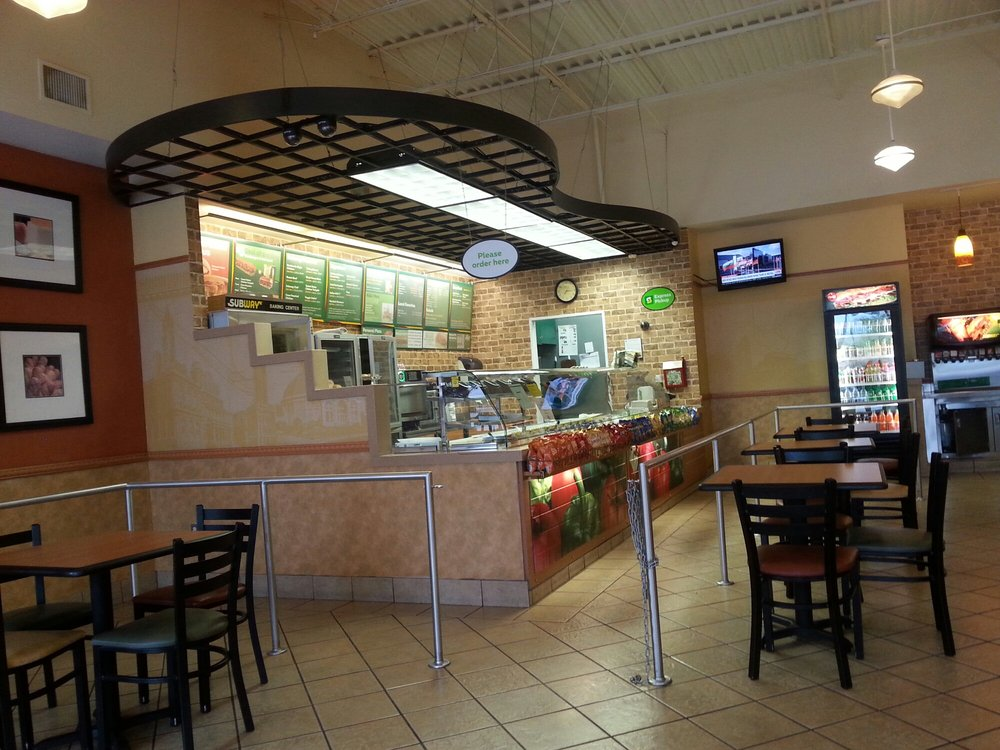 Subway: 4339 Commercial Way, Spring Hill, FL