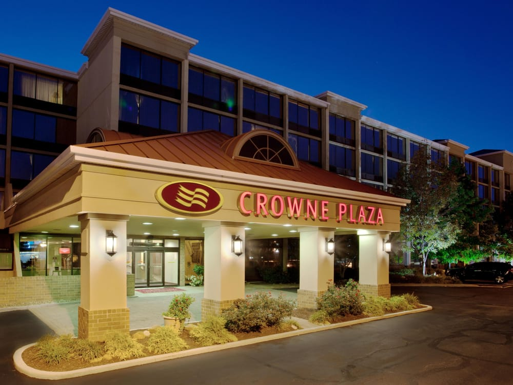 Crowne Plaza Cleveland Airport: 7230 Engle Rd, Middleburg Heights, OH