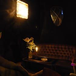 Foto Zu Vögelchen   Berlin, Deutschland. When Itu0027s Quiet The Dark Sofa  Areas Are