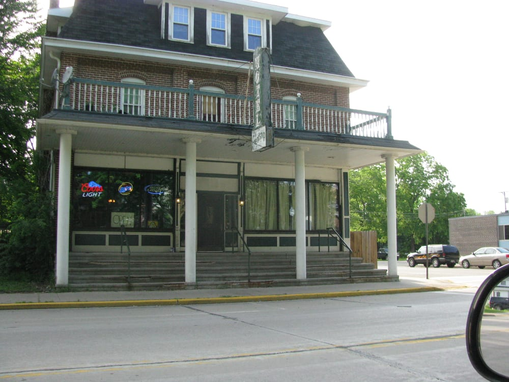 Friendship Inn: Main St, Friendship, WI