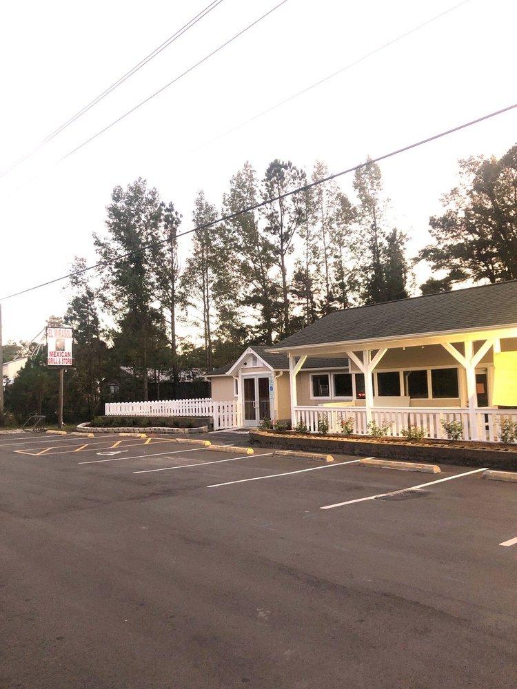 El Mirasol - Mexican Grill & Store: 211 US Hwy 117, Burgaw, NC