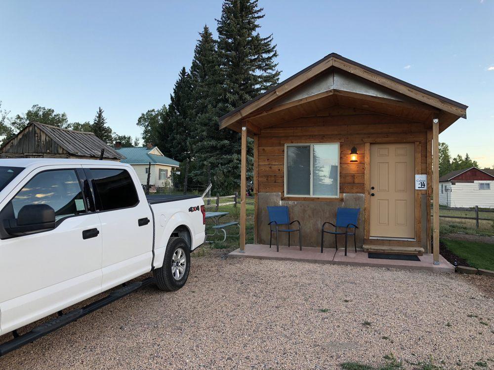 Photo of Mountain Ridge Motel & Cabins: Hatch, UT