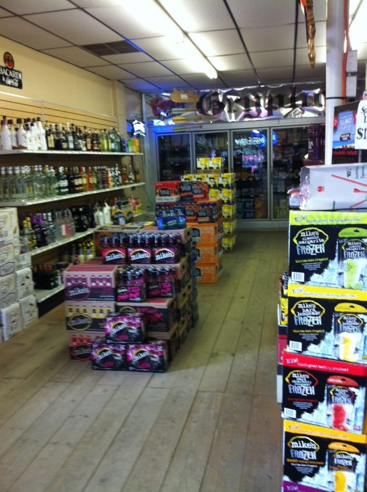 Gryphon Liquors: 605 Highway 2 SW, Rugby, ND