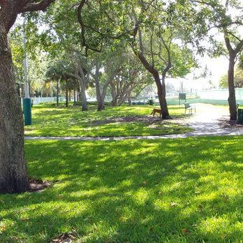 Waterways Dog Park Aventura Fl