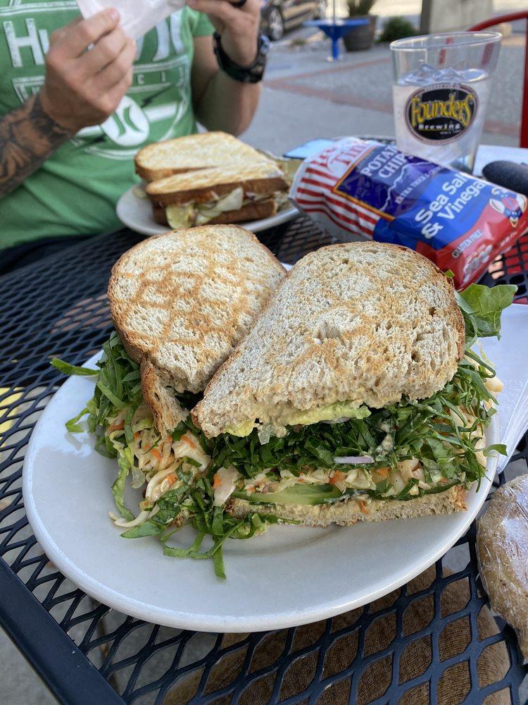 Lemolo Cafe & Deli: 114 N Wenatchee Ave, Wenatchee, WA