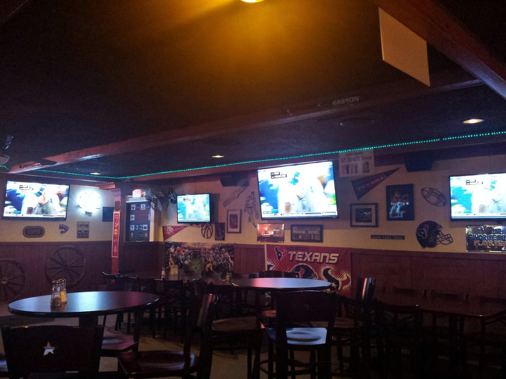 The Huddle Bar & Grill