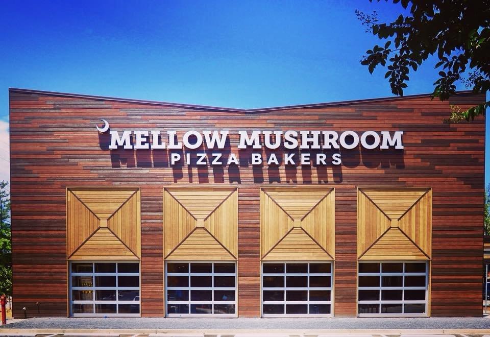 Mellow Mushroom: 1007 Tiger Blvd, Clemson, SC
