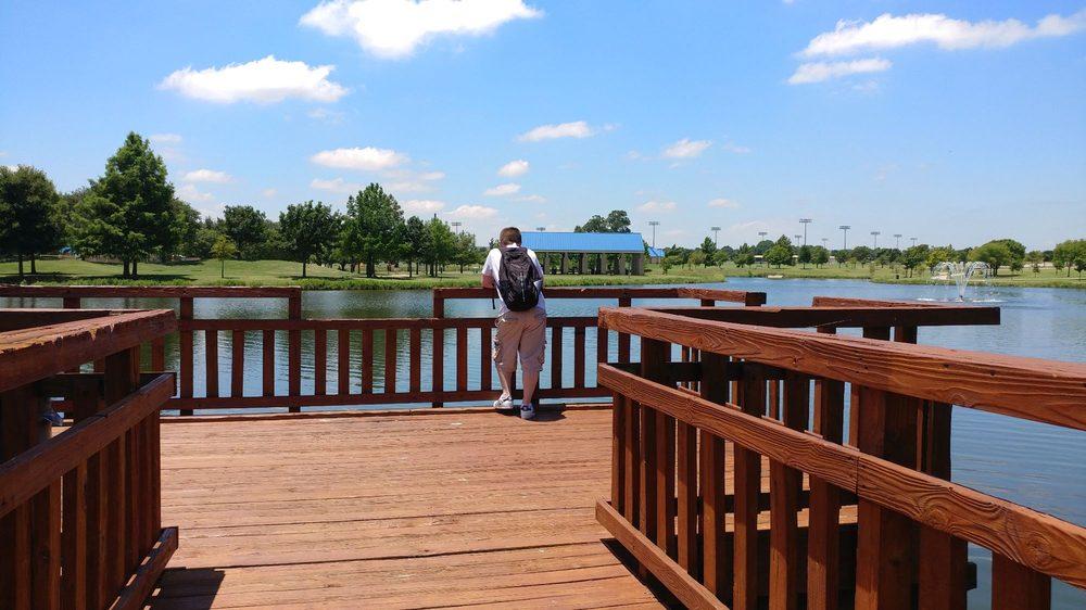 Russell Creek park: Russell Creek Park Trl, Plano, TX