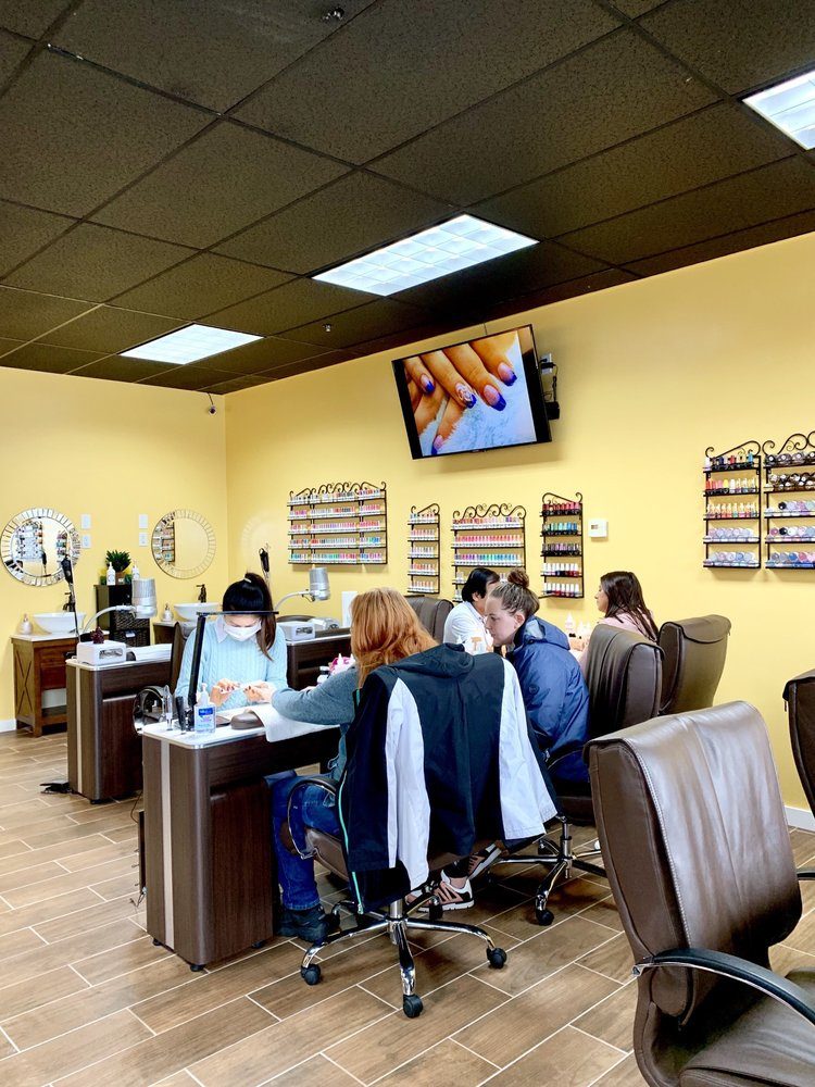Imperial Nails and Spa: 4 Scammon St, Saco, ME
