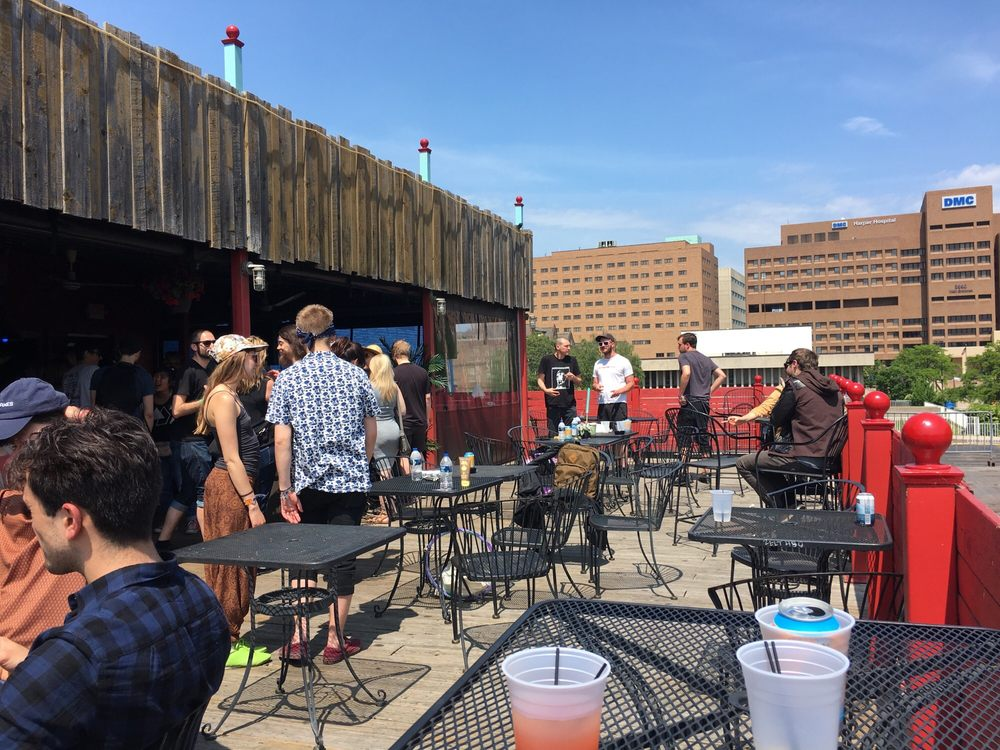 The Alley Deck: 4120 Woodward Ave, Detroit, MI