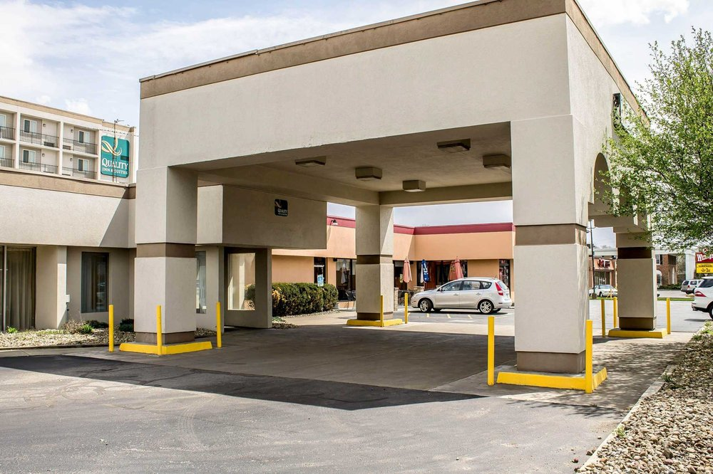 Quality Inn & Suites North: 4055 Belmont Ave, Youngstown, OH