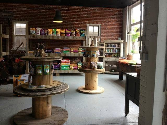 Paw Paw's Pet Shop: 122 W Center St, Germantown, OH