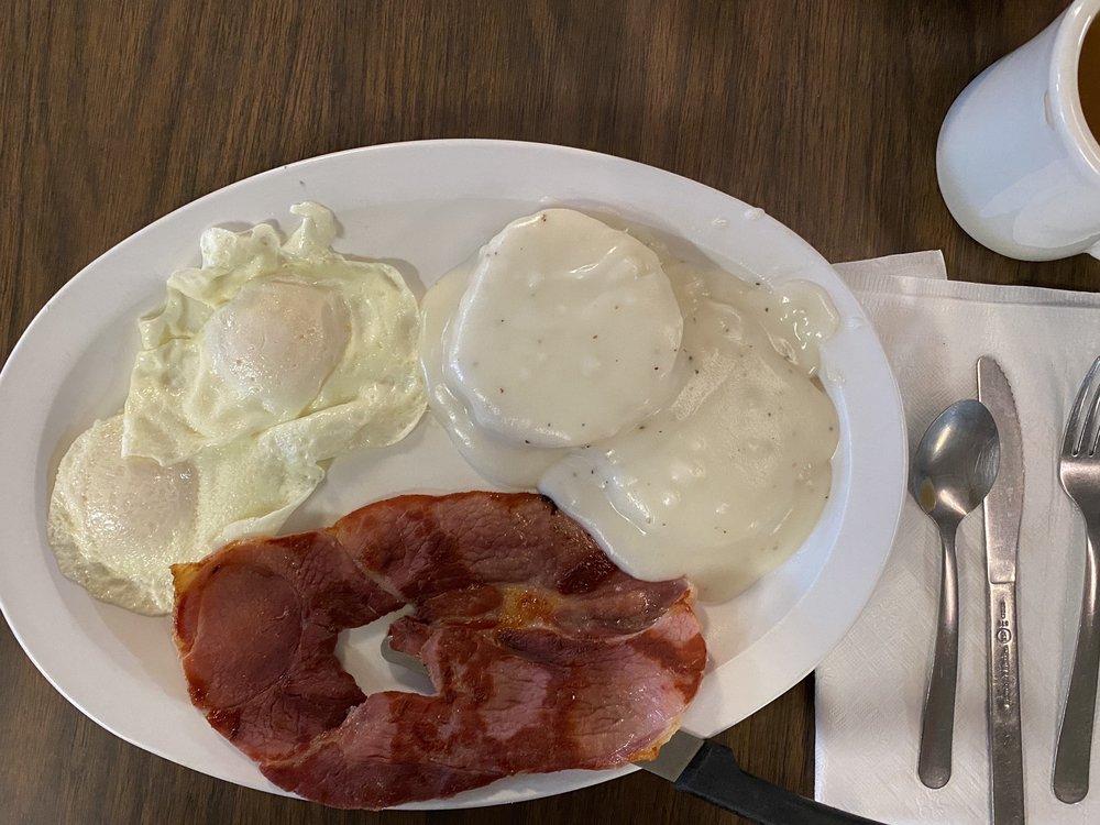 Granny's Corner Cafe: 8138 Al Highway 69, Guntersville, AL