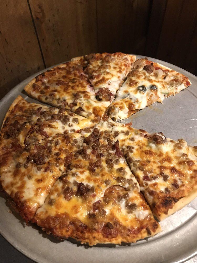 Hometown Pizza - Owenton: 318 North Main St, Owenton, KY