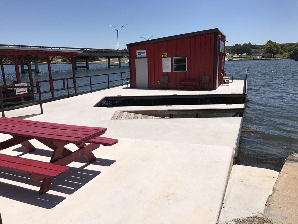Llanorado Lodge & Bait Shop: 223 Ranch Rd 1431, Kingsland, TX