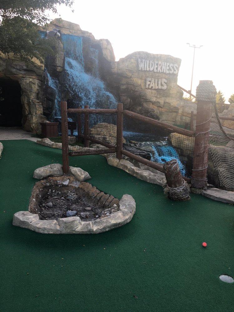 Wilderness Falls Mini Golf