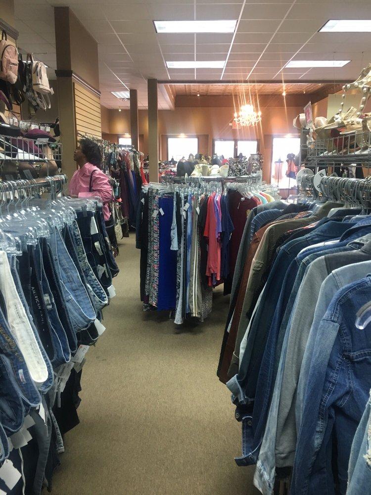 The Snob Shop: 211 E High St, Jefferson City, MO
