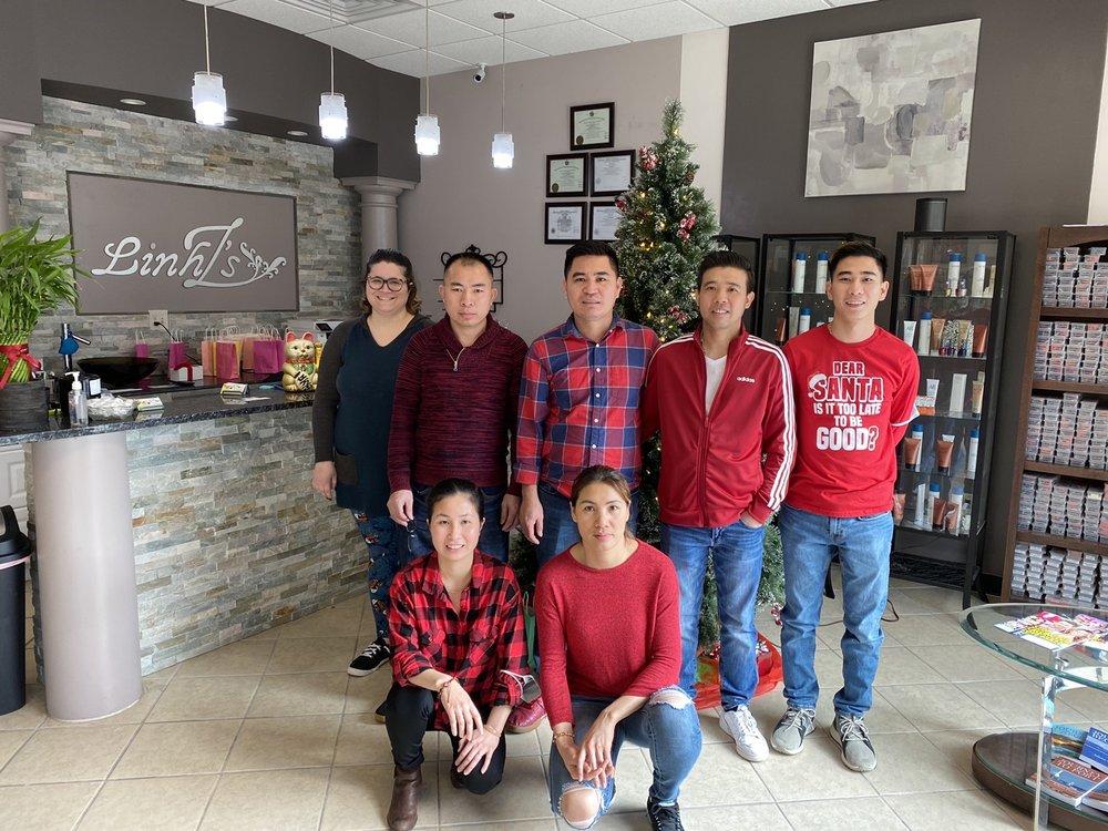 Linh Z's Salon and Spa: 175 N Sweetwater Blvd, Port Washington, WI